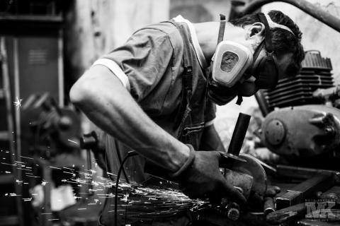 Мото Къстъмс-рязане-искри-флекс-3M-Sparky-steel