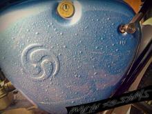 боядисване на мотоциклет с капков ефект