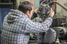 NSU OSL 251 assemble engine restoration Moto Kustoms